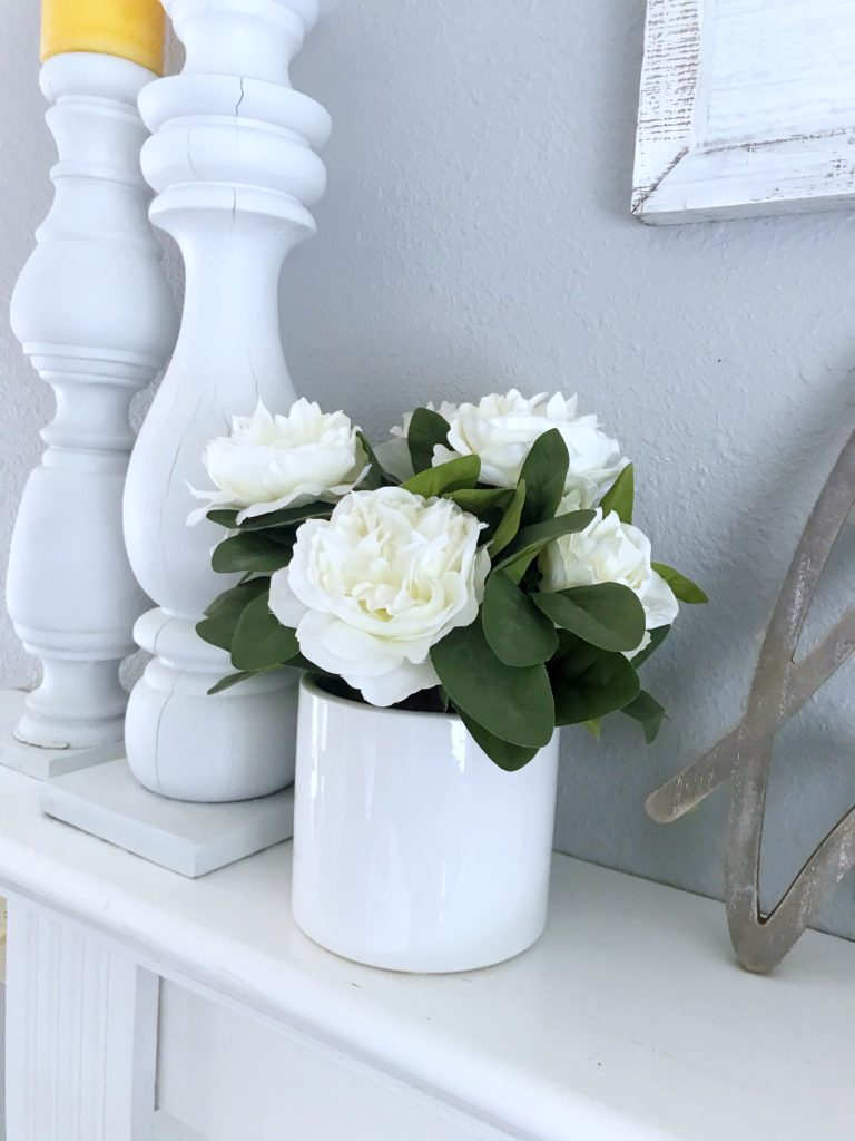 Seasonal Decor Storage - White Flower