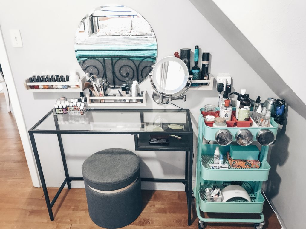 Beauty bar vanity