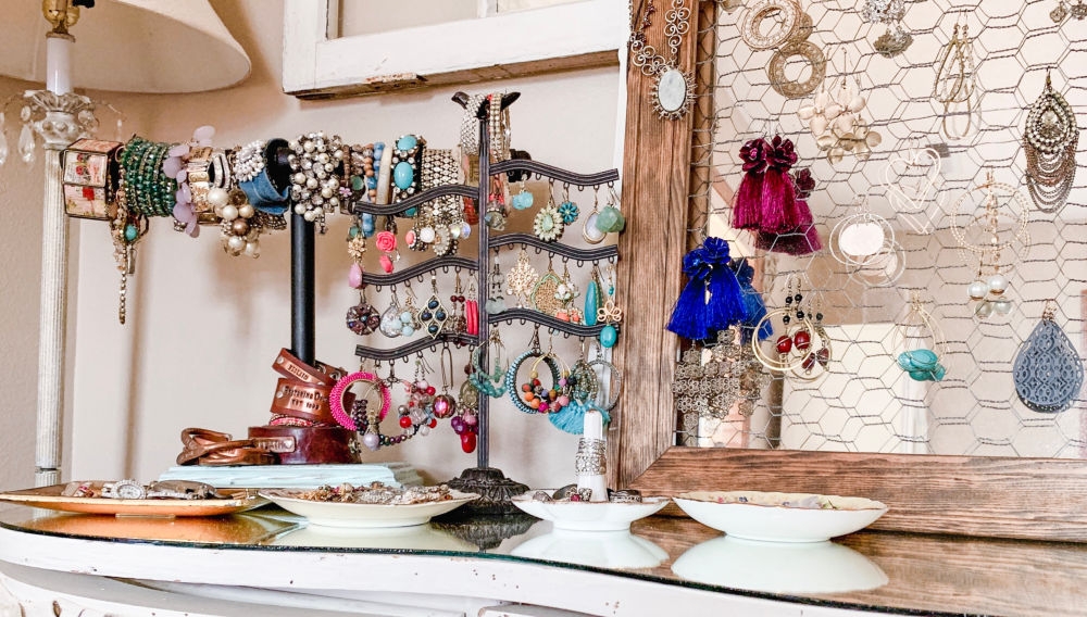 Creative Jewelry Organizing - Vickis Jewelry