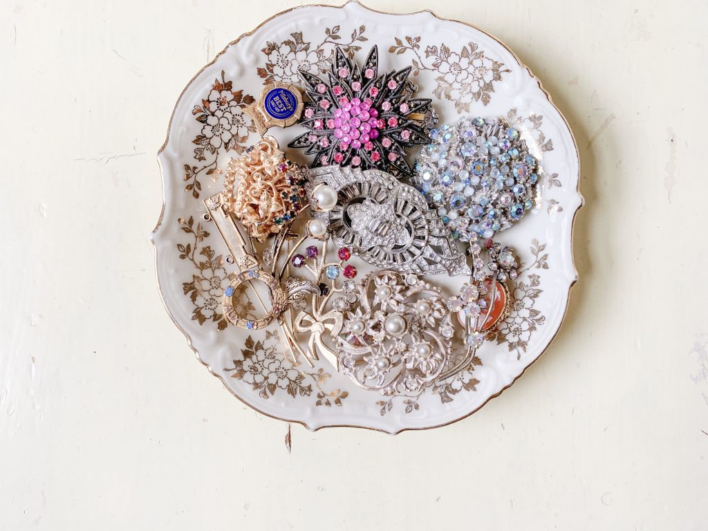 Creative Jewelry Organizing - Brooches