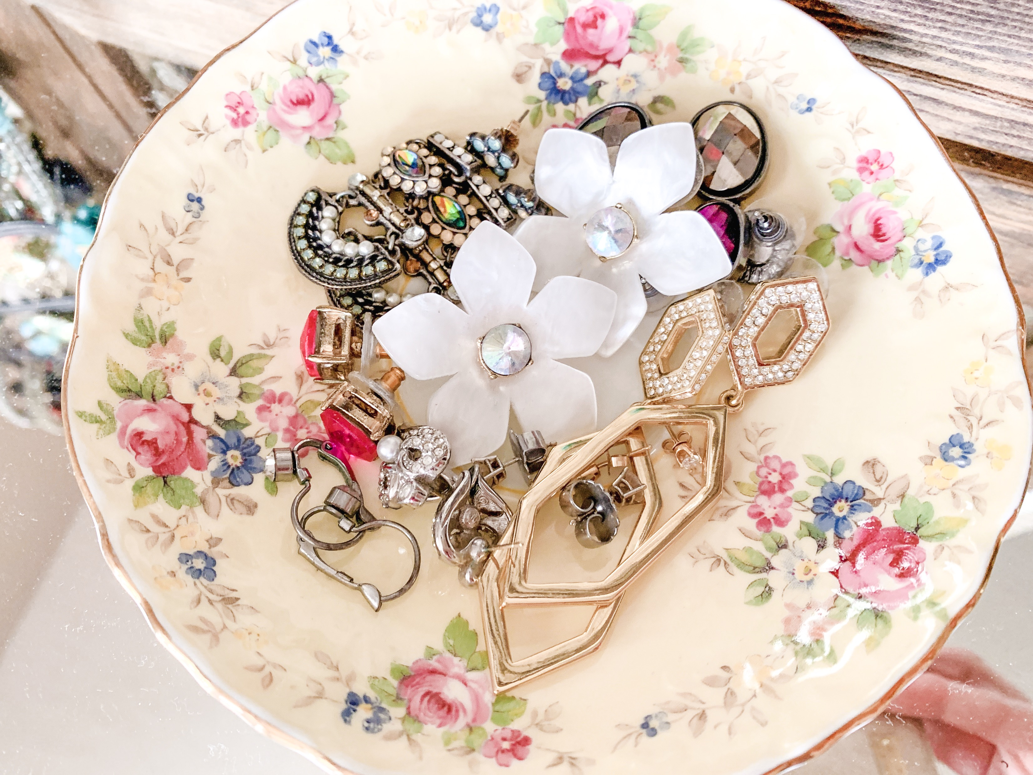 Creative Jewelry Organizing - Earrings in Dish