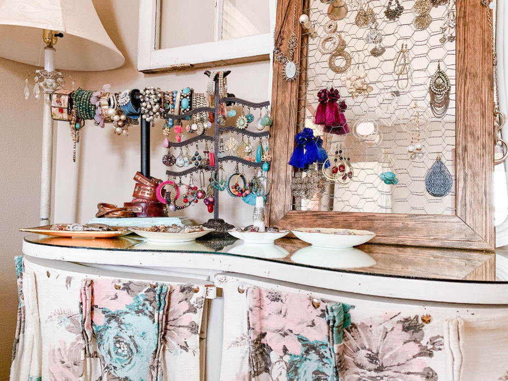 Creative Jewelry Organizing - Vanity