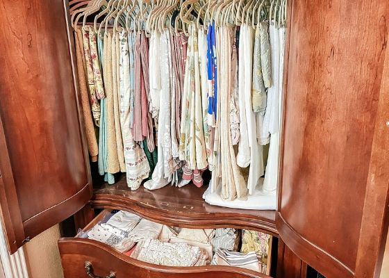 Hanging linens in storage funirture