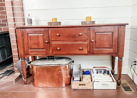 Cluttered storage furniture