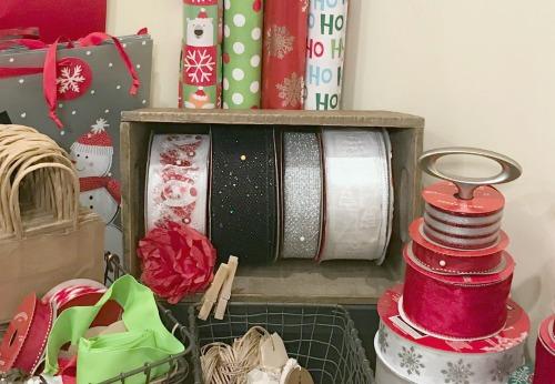 Creative Gift Wrapping Station Hacks - Ribbon Box