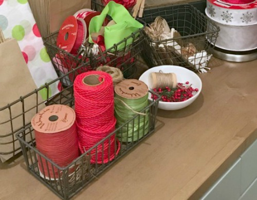 Creative Gift Wrapping Station Hacks - Spools