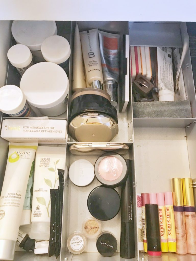 Master-Bathroom-Organizing-Ideas-Makeup-Drawer