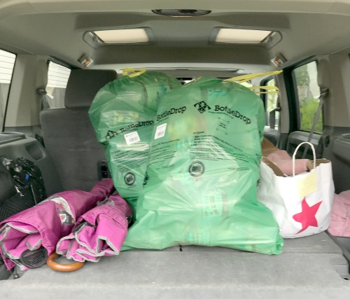Tackling-Recycling-Clutter-BottleDrop-Bags-in-Car
